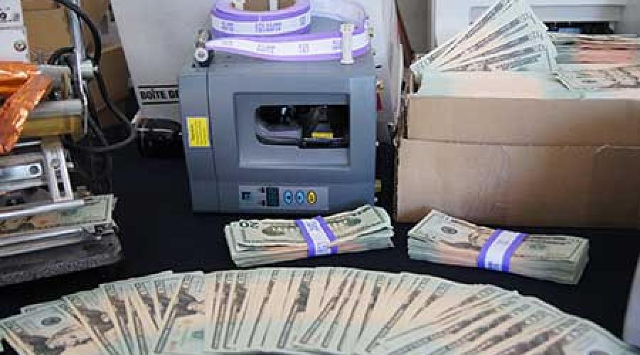 Valsemunters drukken miljoenen dollars