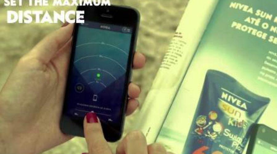 Nivea-advertentie helpt ouder op 't strand