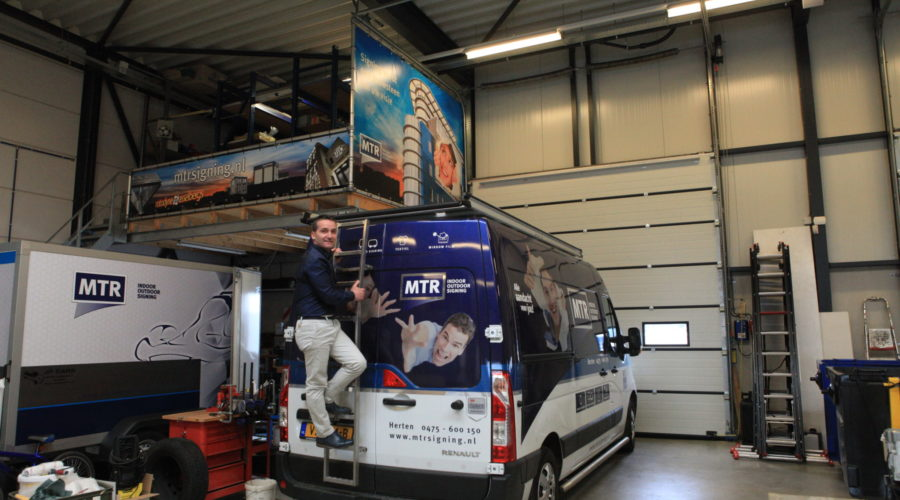 PRstory: On demand carwrapping met uv-droging