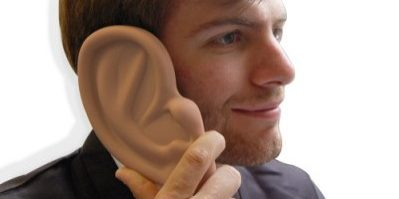 1034_image1_ear_in_hand2_lowres
